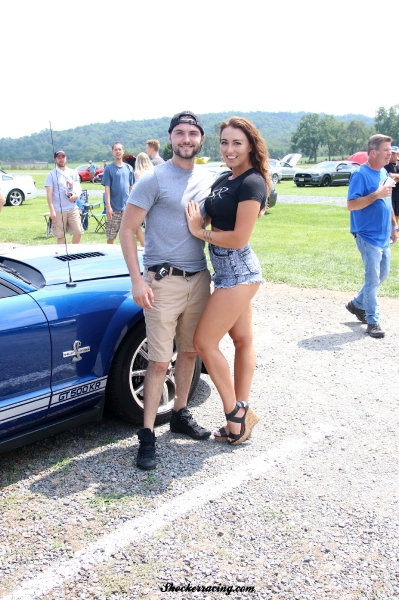 Bex Russ at American Muscle 2017 with a fan